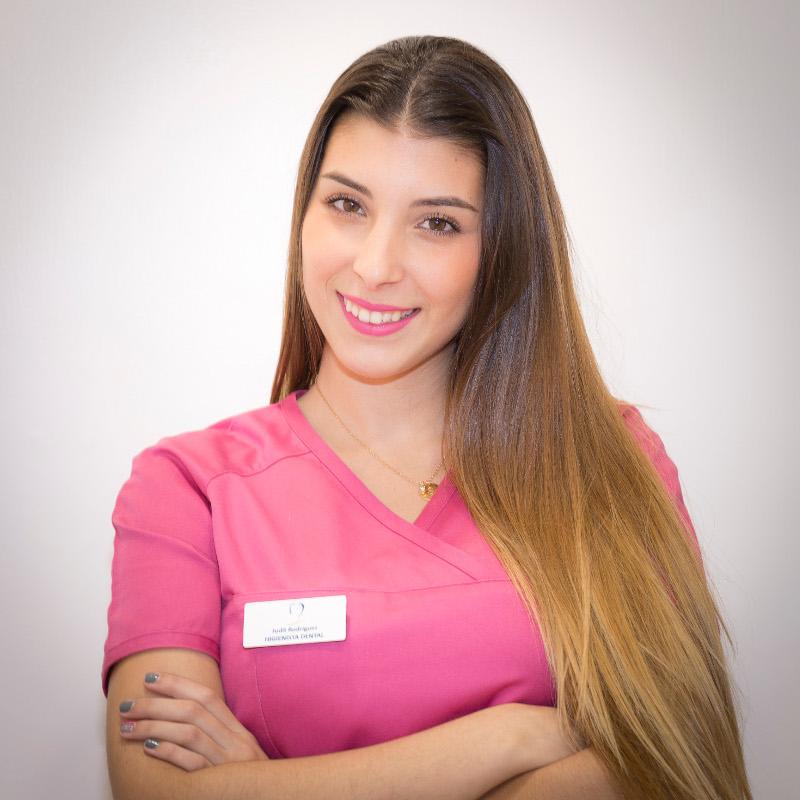 Dentista en Tenerife - Judit Rodríguez Hernández - Higienista dental