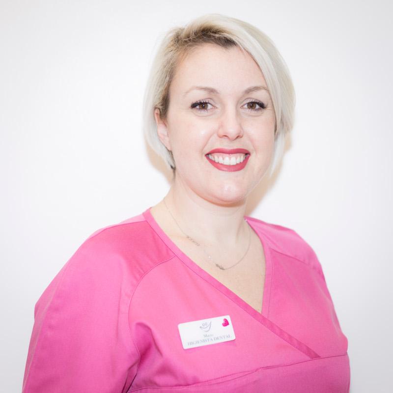 Dentista en Tenerife - Maite Álvarez Redondo - Higienista dental