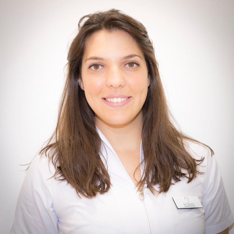 Dentista en Tenerife - Dra. María Contreras Benito