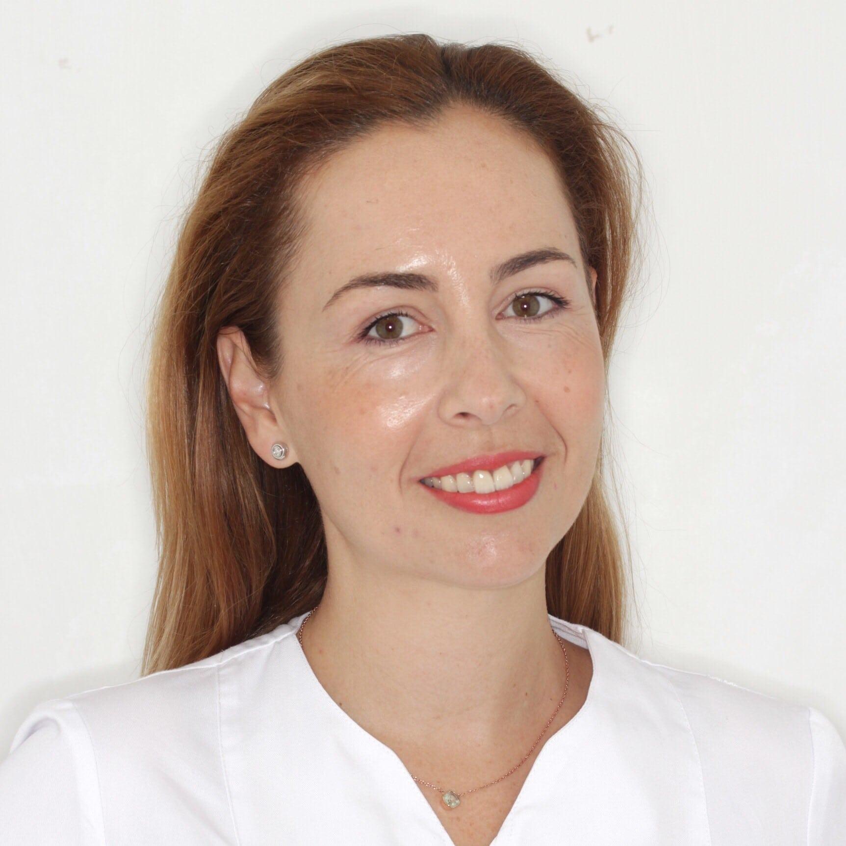 Carolina Rodríguez Hernández - Especialista en Odontología Estética