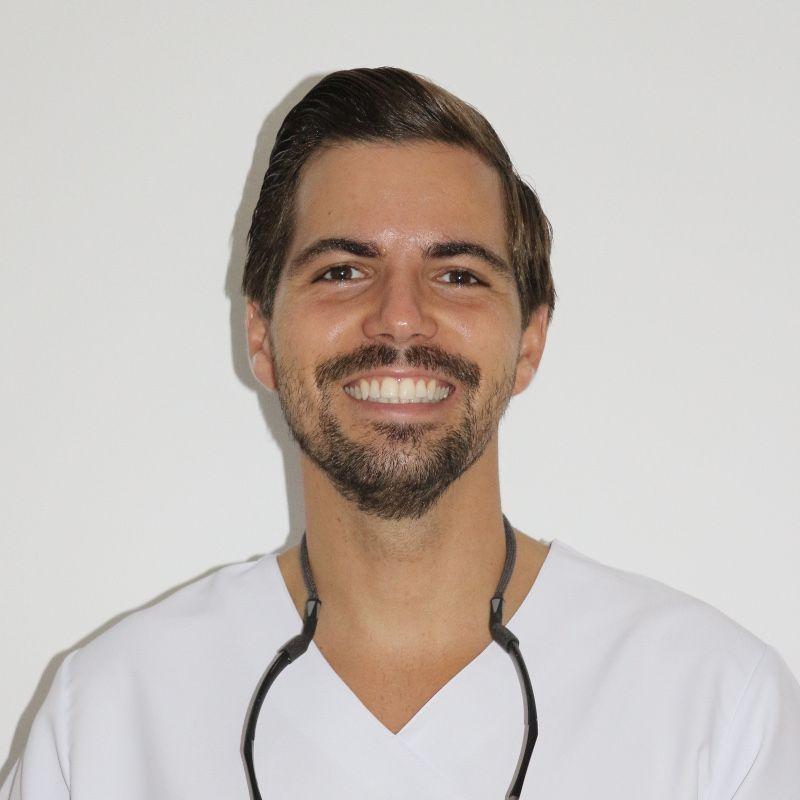 Beneharo Luis Fernández Sánchez - Especialista en Endodoncia y Odontología Restauradora