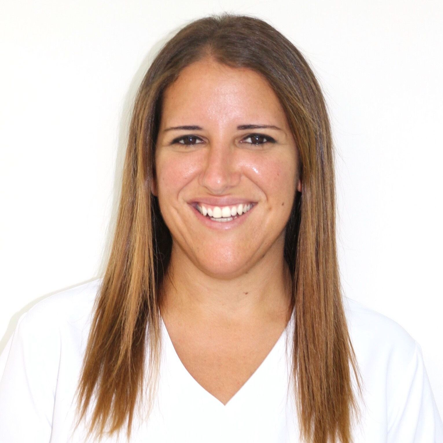 Ethel Martin Acosta - Especialista en Ortodoncia infantil y adultos